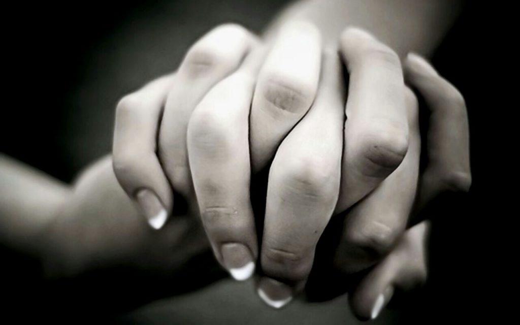 hands-support-friends-1024x640